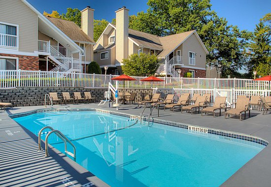 Vestal, Estado de Nueva York: Outdoor Pool