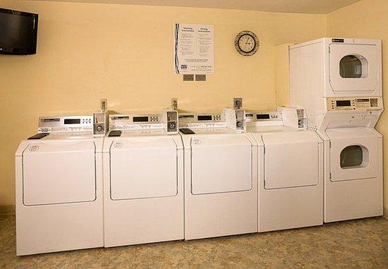 Lynnwood, WA: Guest Laundry Facility