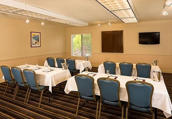 Lynnwood, WA: Olympic Meeting Room