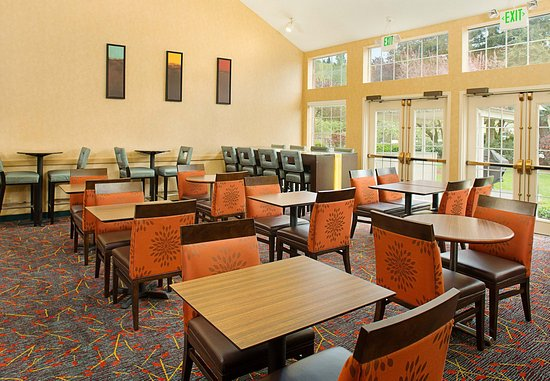 Bothell, WA: Lobby Sitting & Dining Area