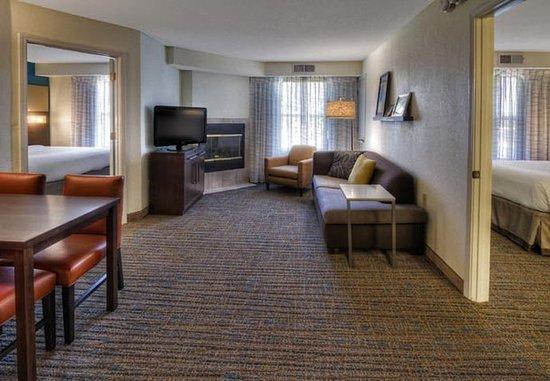 Germantown, TN: Two-Bedroom Suite