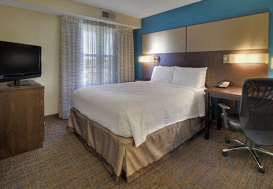 Germantown, TN: Suite Sleeping Area