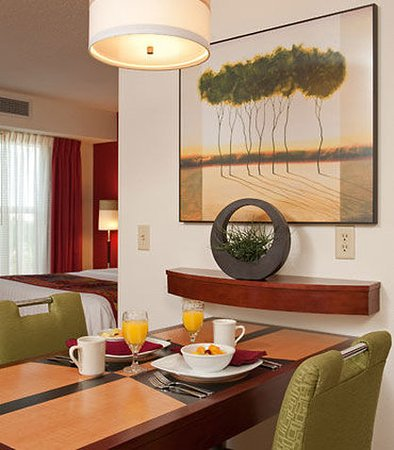 Grandville, MI: Studio Suite Dining Area
