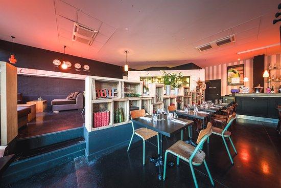 Le bavard avignon restaurant avis num ro de t l phone for Restaurant poisson salon de provence