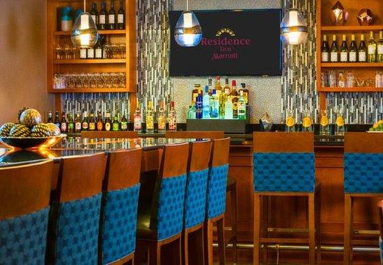 Franklin, MA: Lobby Bar & Communal Table