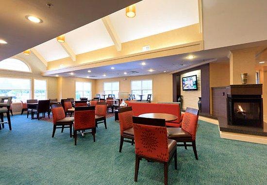 Beavercreek, OH: Lobby Lounge
