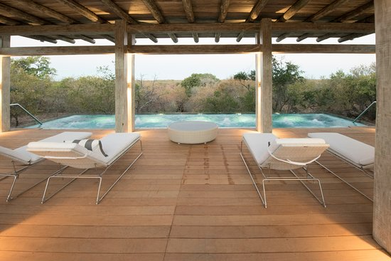Kapama Karula: Karula Spa Wellness Centre Pool with relaxation deck