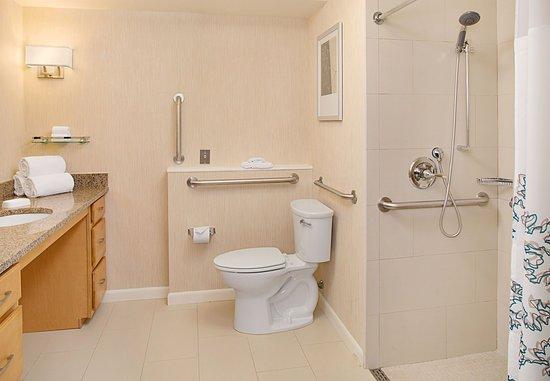 White Plains, NY: Studio King - Bathroom