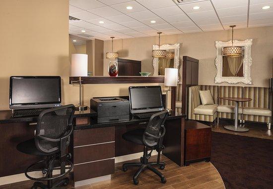 White Plains, NY: Business Center