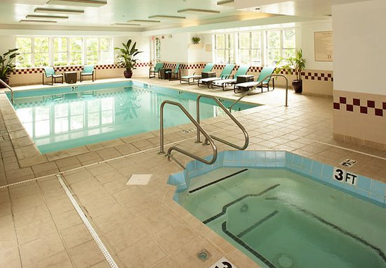 Residence Inn Asheville Biltmore: Indoor Pool & Whirlpool