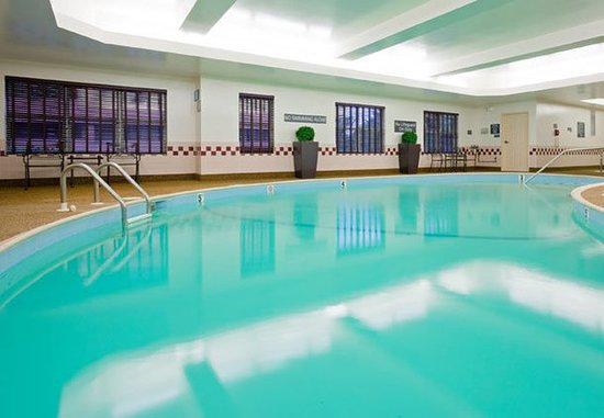 Dedham, MA: Indoor Pool