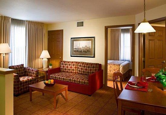 Λιβόνια, Μίσιγκαν: Two-Bedroom Suite