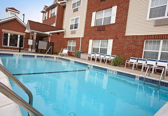 Sterling Heights, MI: Outdoor Pool
