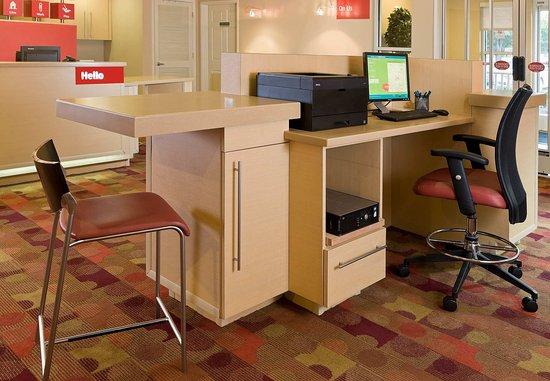 Bedford, TX: Business Center