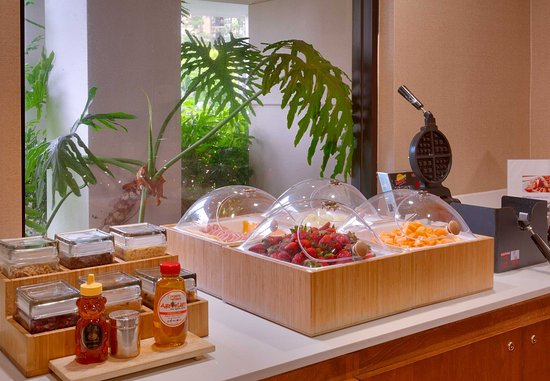 Arcadia, Californië: Breakfast Buffet - Fresh Options