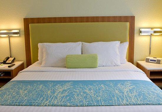 Altamonte Springs, فلوريدا: King Suite Sleeping Area