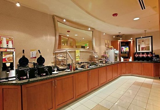 Lancaster, CA: Breakfast Area