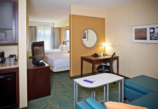Hanover, MD: Queen/Queen Suite