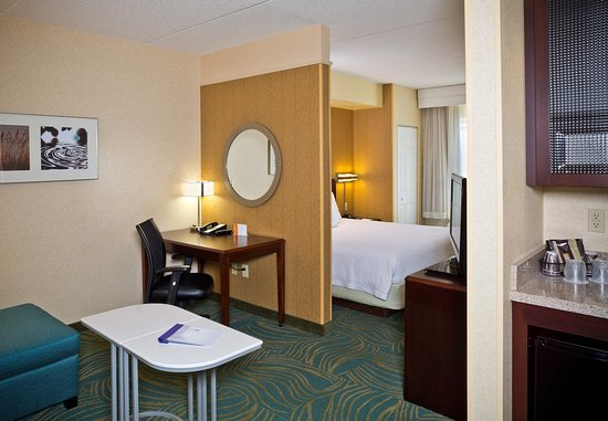 Hanover, MD: King Suite