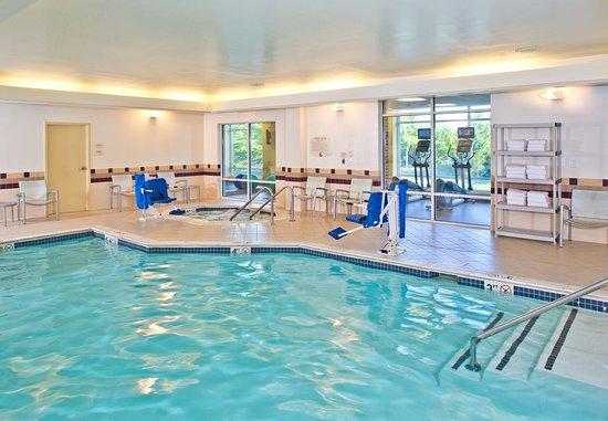 Hanover, MD: Indoor Pool & Whirlpool
