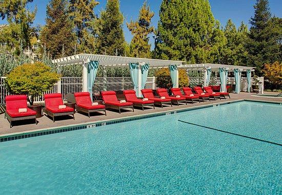 Pleasanton, CA: Outdoor Pool