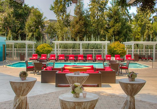 Pleasanton, CA: Poolside Events