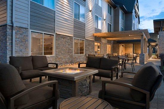 Сент-Клауд, Миннесота: Outdoor Fireplace