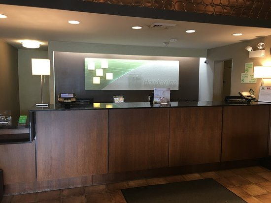 Carle Place, NY: Our friendly Guest Service Agents would be happy to assist you!