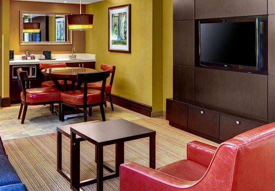 Decatur, GA: King Suite Living Area