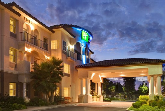 Newly renovated Holiday Inn Express & Suites Corona, CA