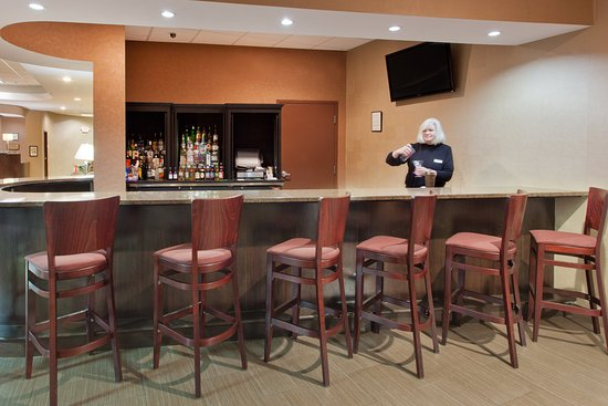 Dover, DE: Bar and Lounge