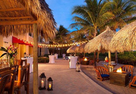 Singer Island, FL: Reef Tiki Bar - Social Event Setup