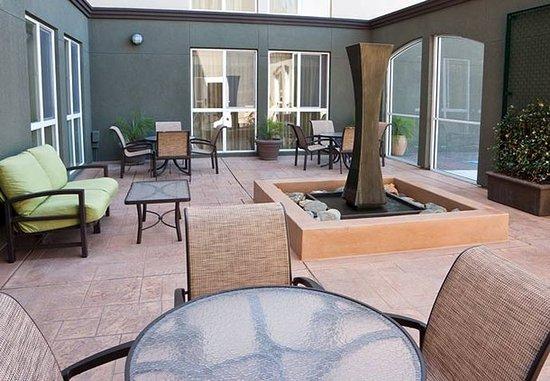 Millbrae, Kaliforniya: Outdoor Patio