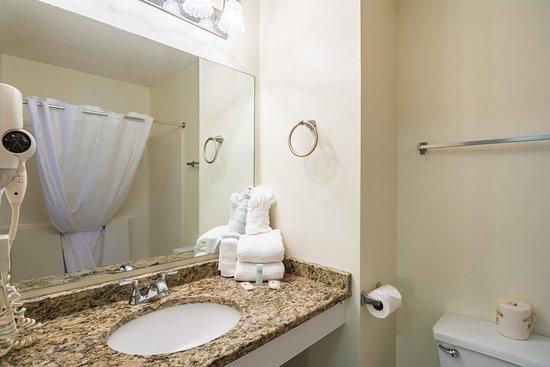 Duluth, GA: Guest bathroom