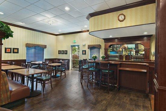 Pendleton, OR: Lounge