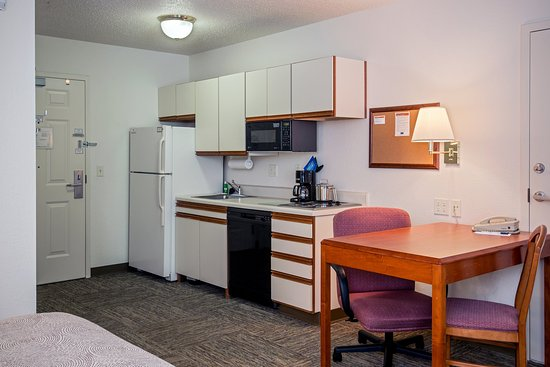 Candlewood Suites Appleton: Double Bed Guest Room