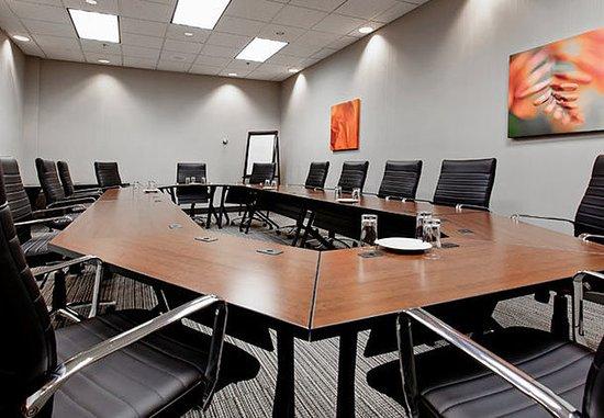 Jonquiere, Канада: Louis Hemon Boardroom