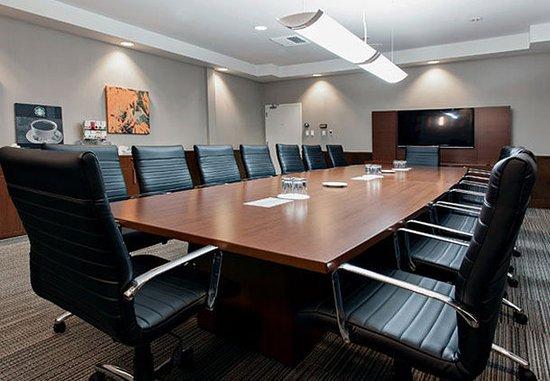 Jonquiere, Канада: Pierre Paul Asselin Boardroom