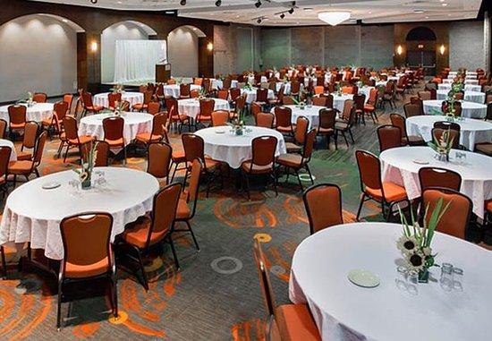 Jonquiere, Канада: Grand Ballroom – Rounds Setup