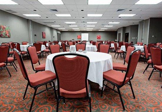 Jonquiere, Канада: William Price Meeting Room – Rounds Setup