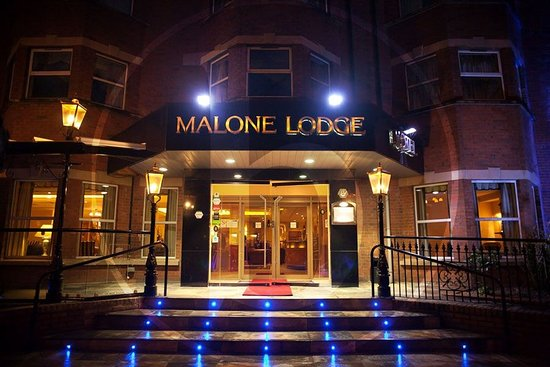 Malone Lodge Hotel & Apartments: Exterior
