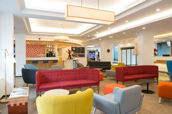 Bougival, France: Lobby