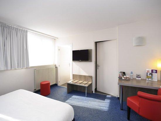 Saint-Lo, France: Guest Room