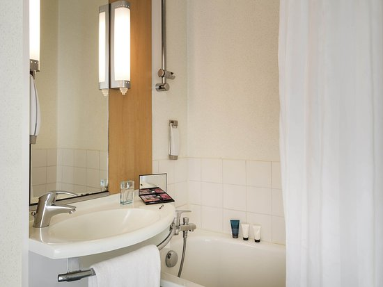 Niort, France: Guest Room