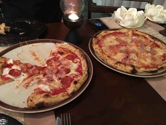 Celli's italian pizza restaurant: photo2.jpg