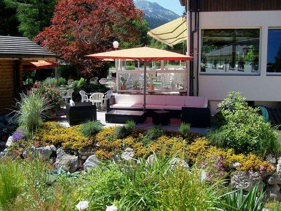Zweisimmen, Switzerland: Garden Lounge