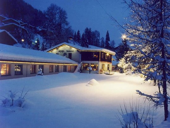 Zweisimmen, Sveits: Hotel Frontside Winter