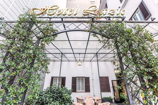 Hotel Lazio: entrance