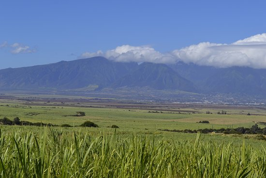 Paia, HI: gorgeous scenery looking back towards the mountains of West Maui