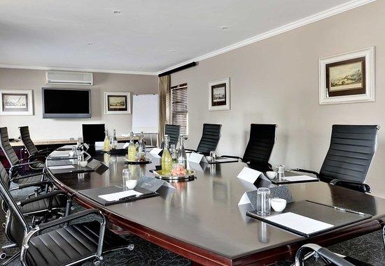 Magaliesburg, แอฟริกาใต้: Teak Boardroom